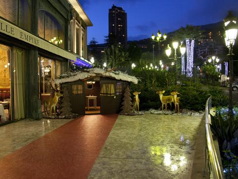 Un chalet en chocolat à l'hôtel de Paris de Monaco