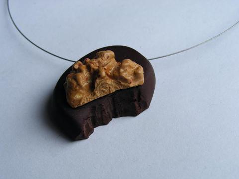 Pendentif chocolat