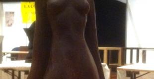 Grégory Poussier sculpte au salon du chocolat de Divonne-les-Bains