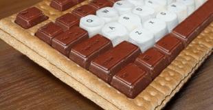 Un clavier d'ordinateur en chocolat