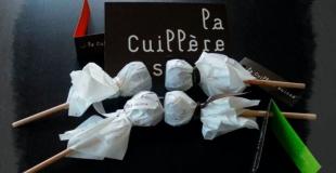 Recette du chocolat chaud : la cuillère suisse !