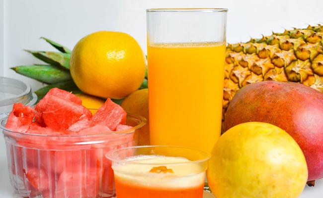 jus de fruits avec extracteur de jus